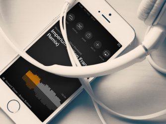 Jak nahrát hudbu do iPhonu? Potřebujete iTunes