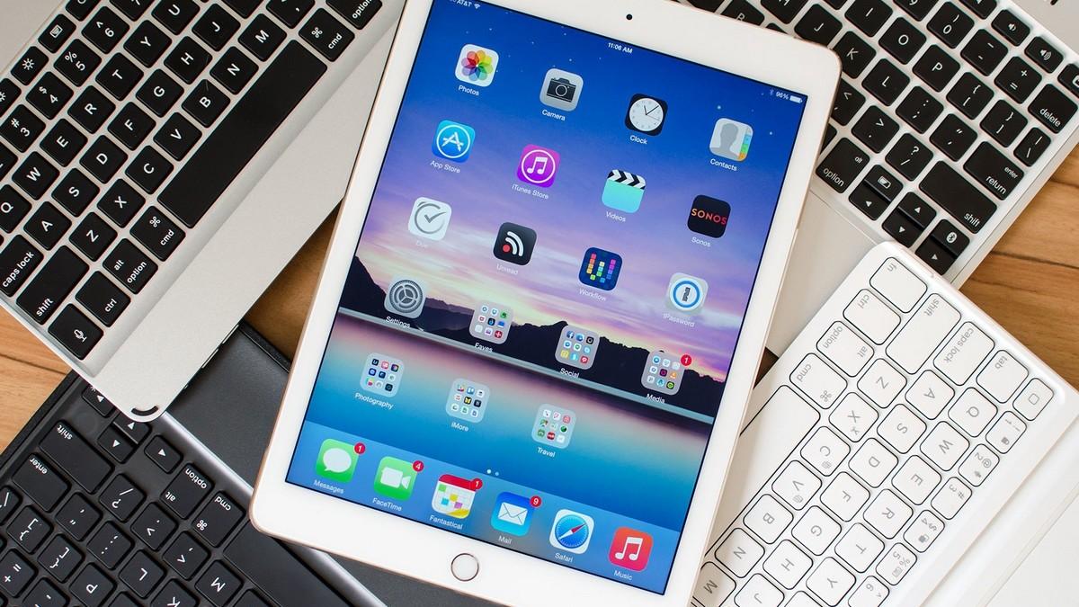 Már kaphatók bluetooth billentyűzetek az iPad9.7″-hez (2018)