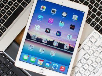 """Pouzdra sklávesnicí pro iPad 9.7"""" (2018)"""