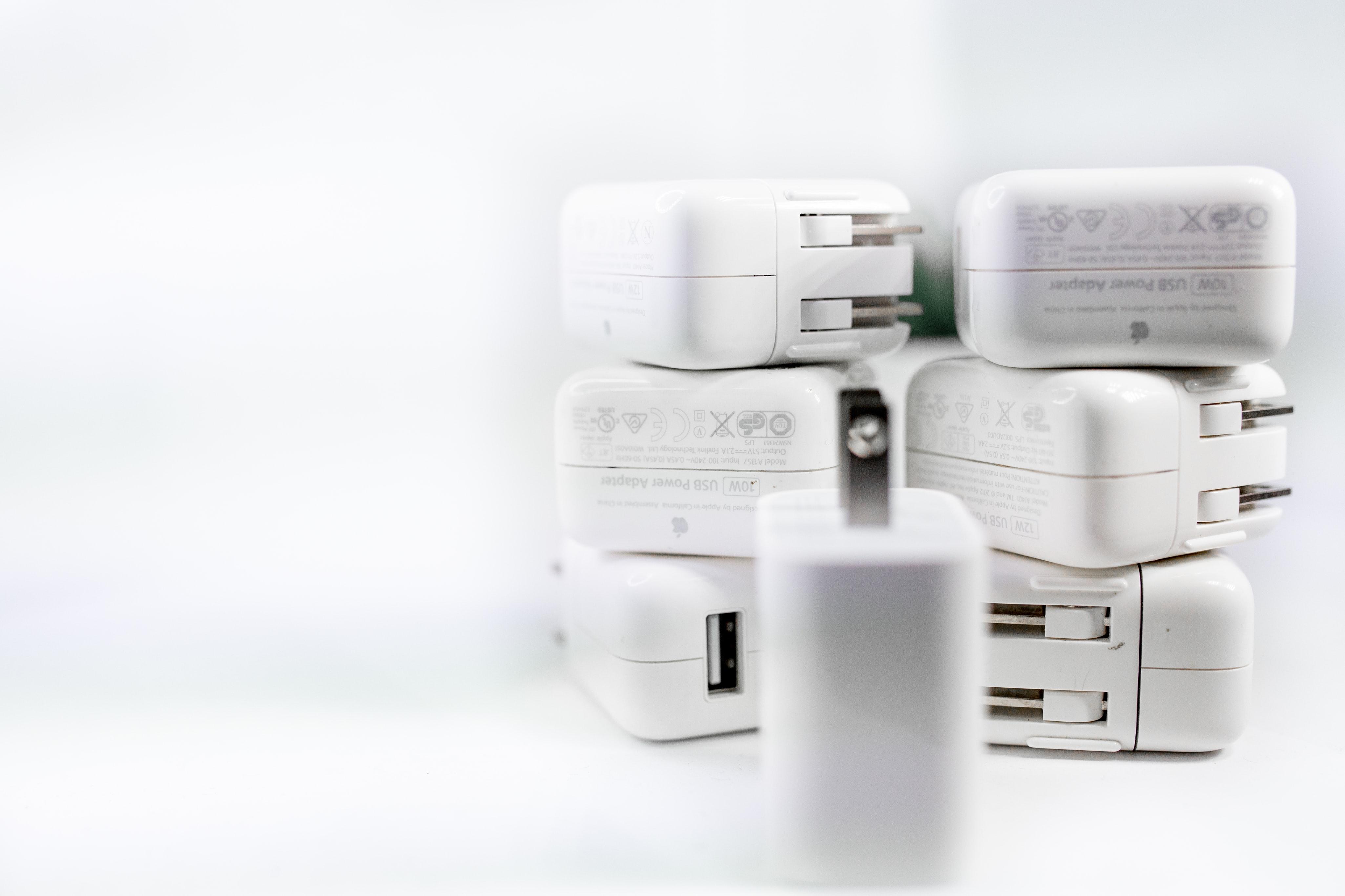 Qualcomm QC és Power Delivery töltők – ismeri akülönbséget?